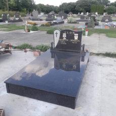 Nadgrobni Spomenik 058