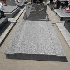 Nadgrobni Spomenik 059